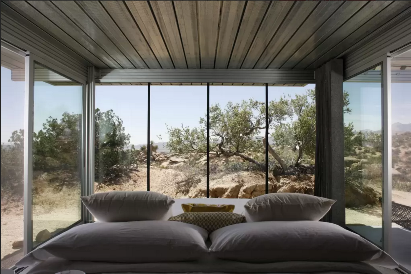 Off the Grid Green home in Pioneertown, California